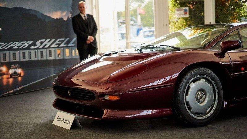 Jaguar XJ220 1993 года продали с аукциона за рекордную сумму