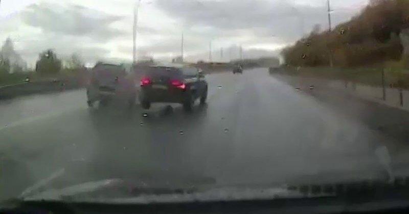 Авария дня. Пьяный водитель устроил ДТП и скрылся