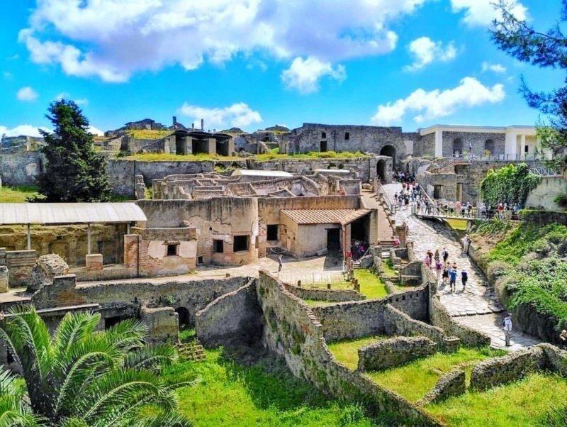 История гибели города Помпеи