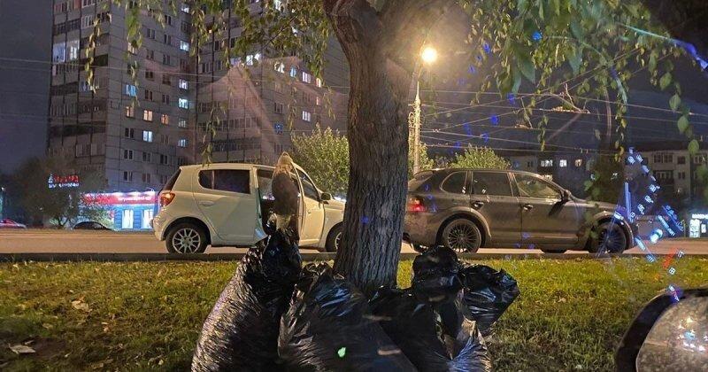 В Красноярске водитель «Кайенна» решил самоутвердиться за счет женщины и спровоцировал столкновение