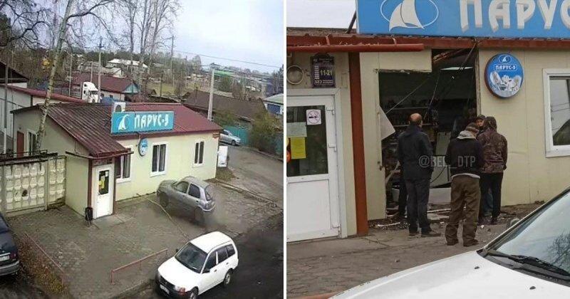 Авария дня. В Амурской области автомобиль заехал в небольшой магазин