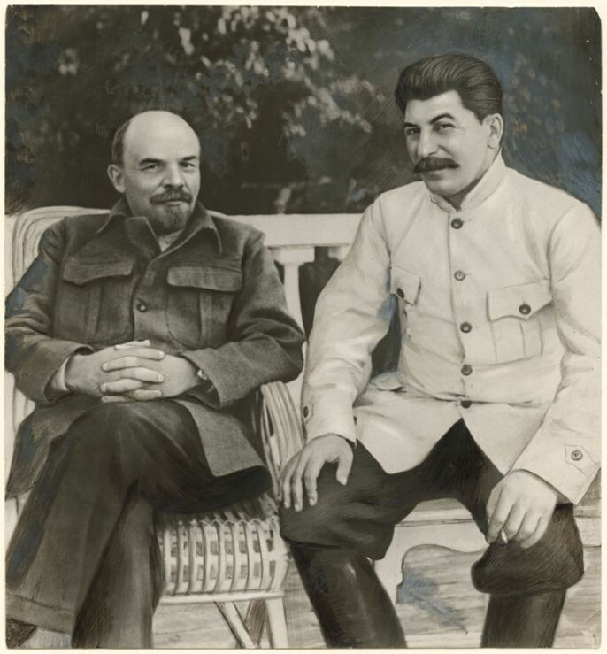 5. Lenin and Stalin in Gorki, 1922
