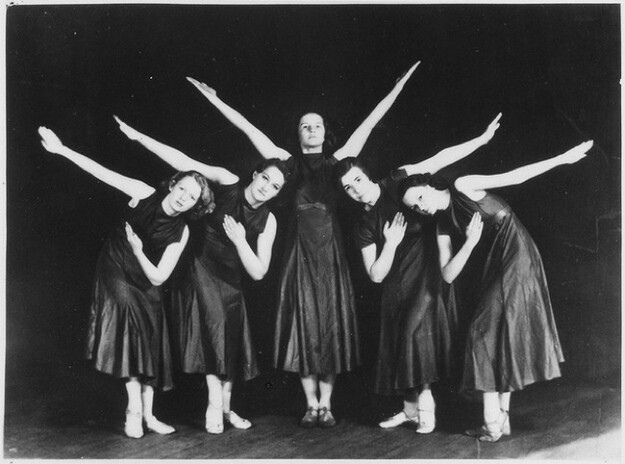 Betty Ford (center) with a modern dance troupe