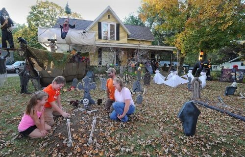Setting up Halloween