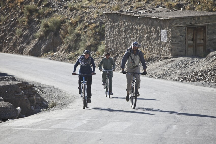 Crossing Afghanistan's Panjshir Valley by bike