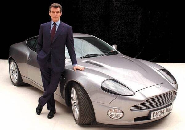 James Bond's Rad Cars!