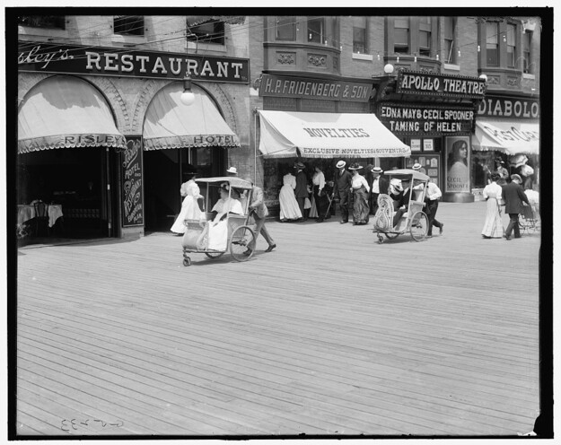 Rolling chairs on the boardwalk, between 1905 and 1920