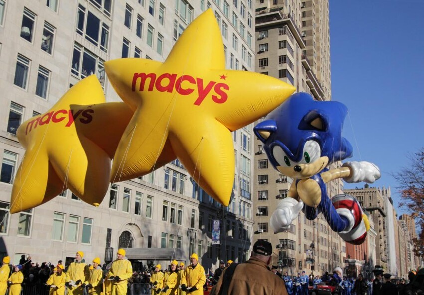 Huge Balloons! Macy's Thanksgiving day Parade