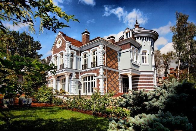 Beautiful Houses for Rich Russian People