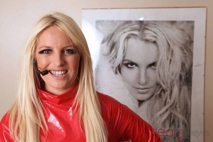 britney spears double, michaela weeks,