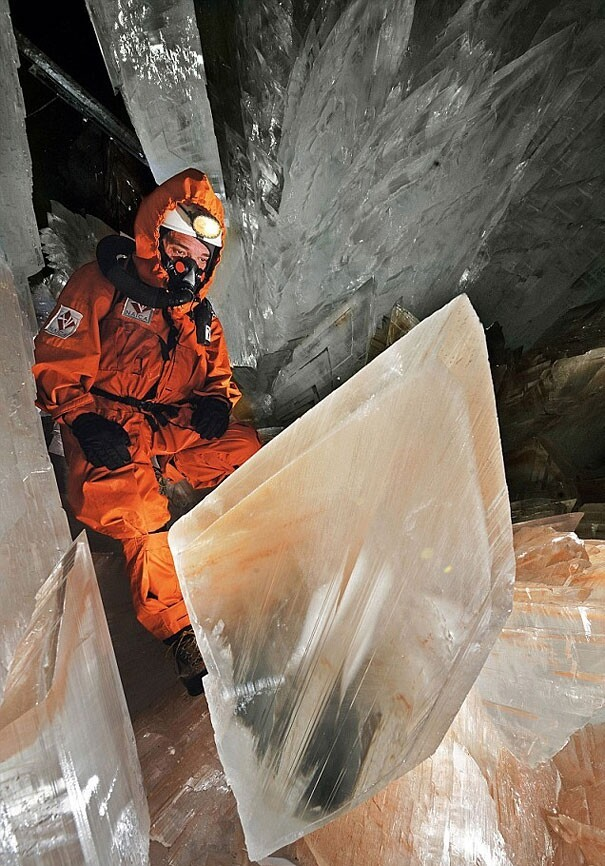 Breathtaking Cave of Crystals 1000ft Below Mexican Desert