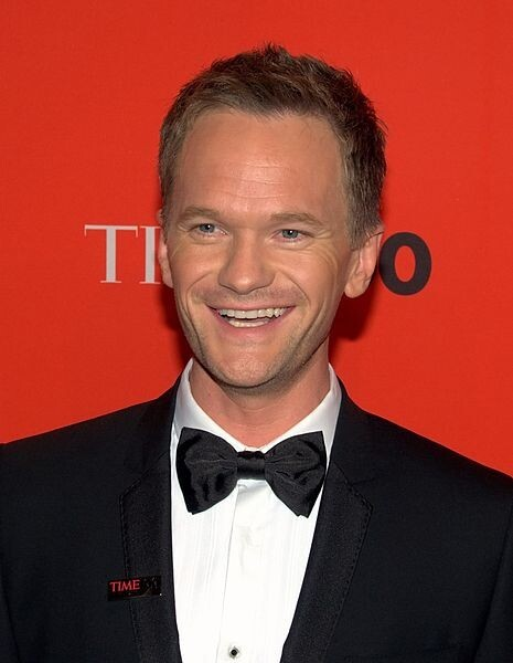Neil Patrick Harris. Hottie in a Suit