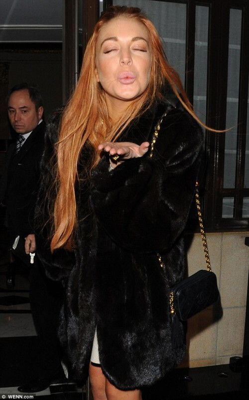 Lindsay Lohan's Selling Herself To Rich Men!!!