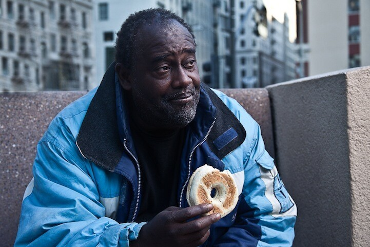 Photographer Trades a Bagel with the Homeless for a Story
