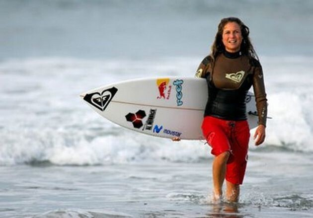 Top 10 Hottest Surfer Girls from Around the World