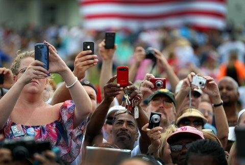 Mobile Phones to Outnumber People by The End of The Year