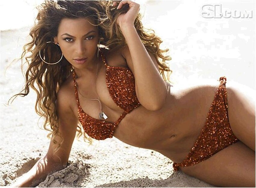 10 Hottest Women Of 2013!