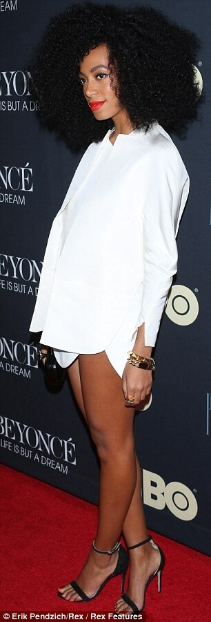 Solange Knowles tries to steal limelight from sister Beyonce