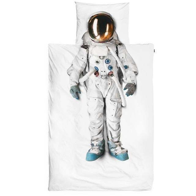 Tuck in your tyke to space.