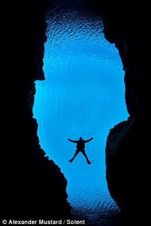 Diving Between Tectonic Plates, Amazing