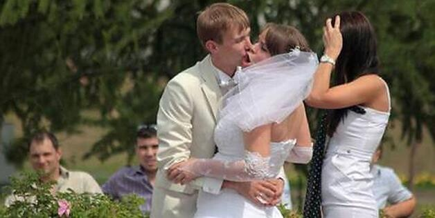 bad wedding kiss