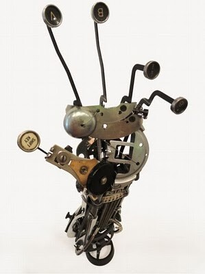 16 Stunning Sculptures Made With Typewriters