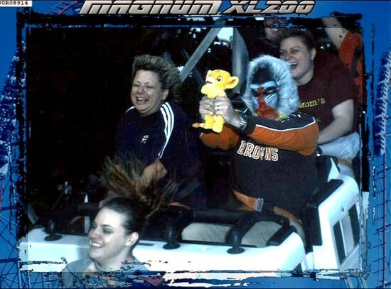 10 Side-Splittingly Funny Rollercoaster Action Shots