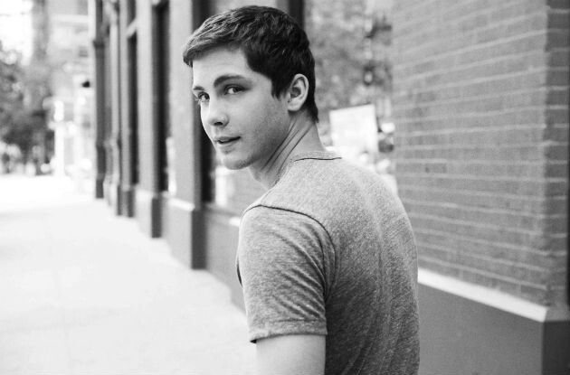 Logan Lerman Is Such a Pretty Boy and He's Legally Cute