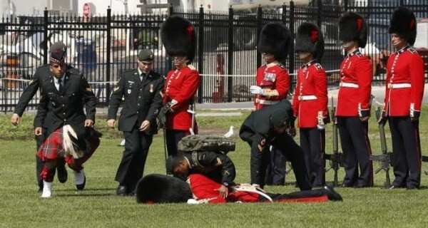 17 Soldiers Collapsing Due To Exhaustion At Military Ceremonies