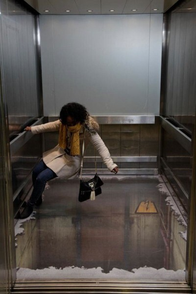 The bottomless 3D Elevator Shocks Unsuspecting London Shoppers