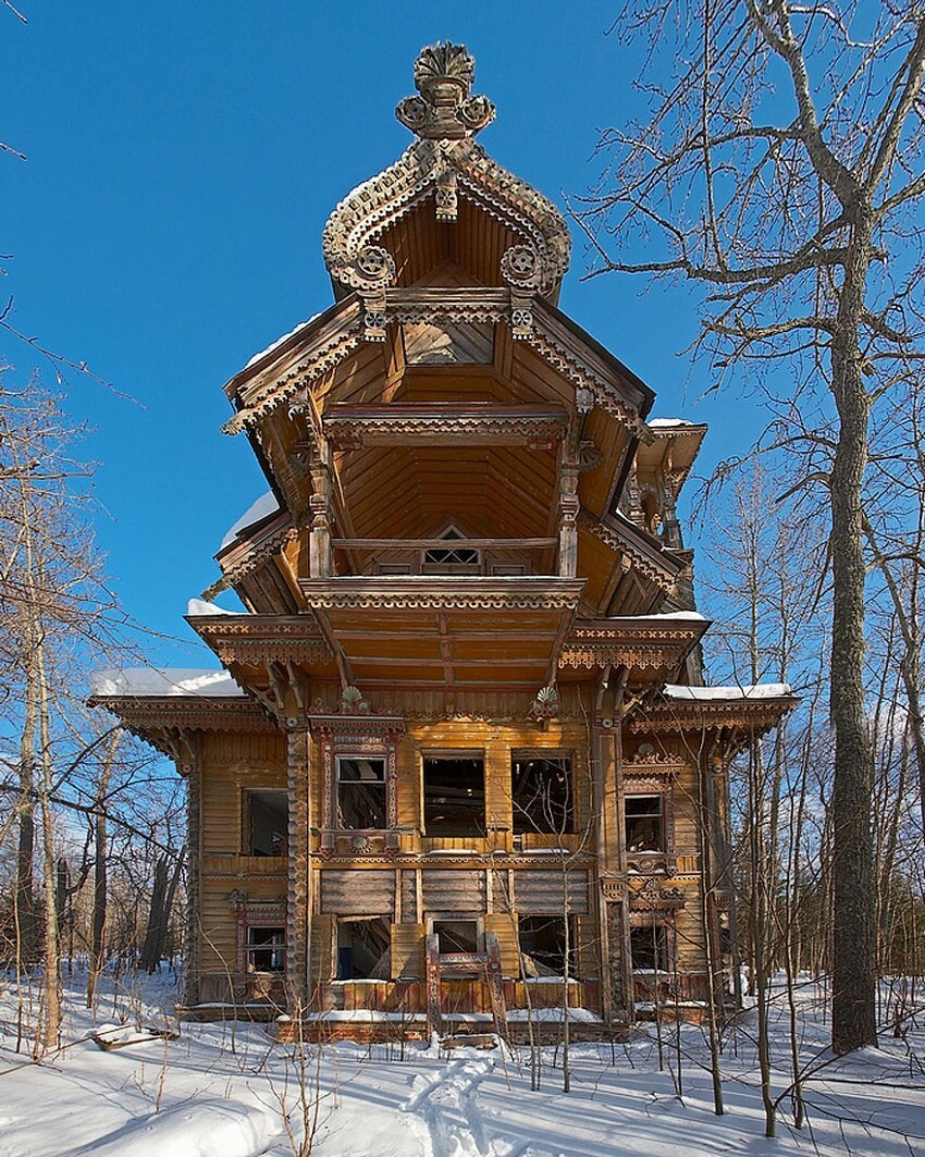 15. Abandoned Wooden Houses, Russia