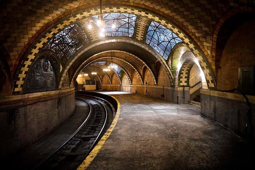 17. The Abandoned City Hall Subway Stop in New York, U.S.A.
