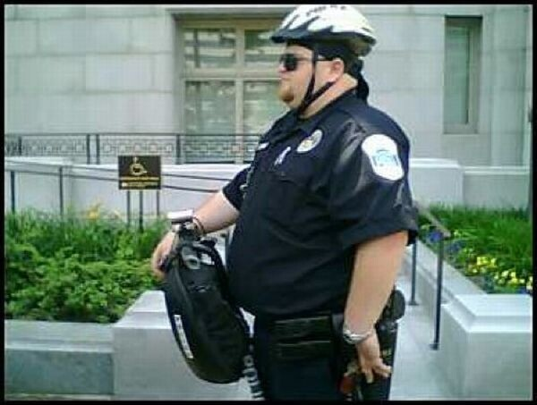 U.S. Police... how many steps they can run for a criminal?