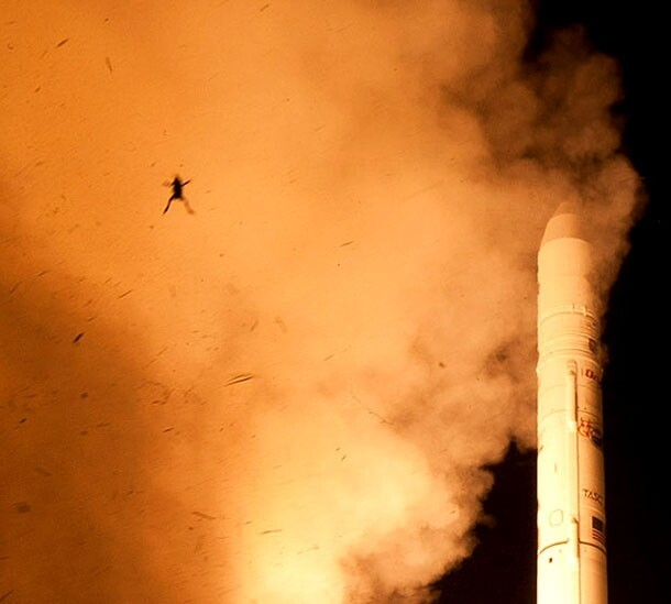 NASA Captures Epic 'Frog Photo' During Spacecraft Launch