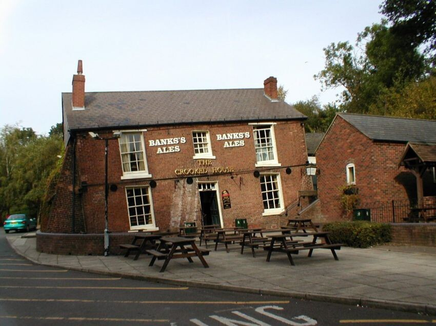 3. The Crooked House — Staffordshire, United Kingdom