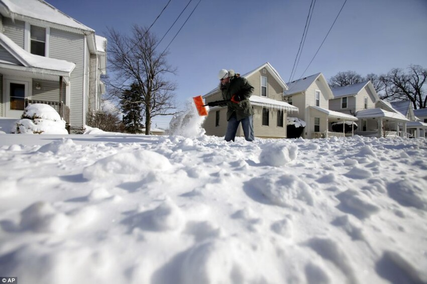 US faces record low temperatures