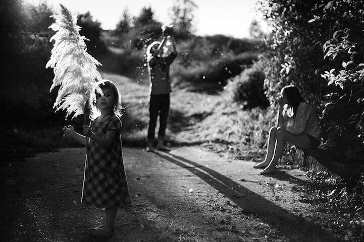 Father Photographs Touching Moments of His Children as They Grow Up
