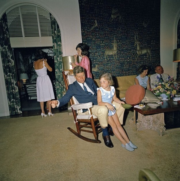 8 Festive Photos Of The Kennedy's Celebrating Easter In 1963
