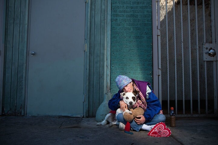 Touching Portraits of Homeless People and Their Animal Companions