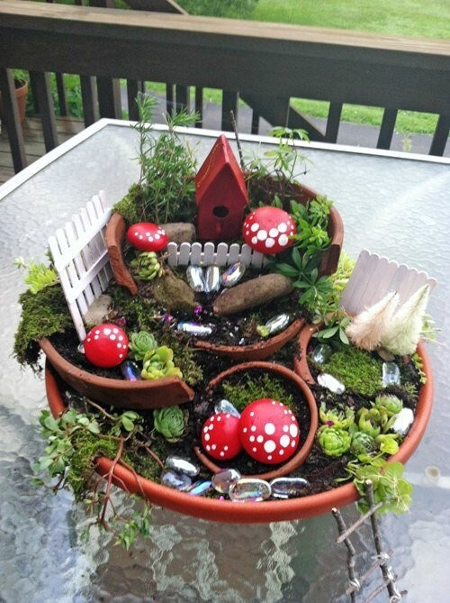 34 Picture-Perfect Fairy Gardens Made From Broken Flower Pots