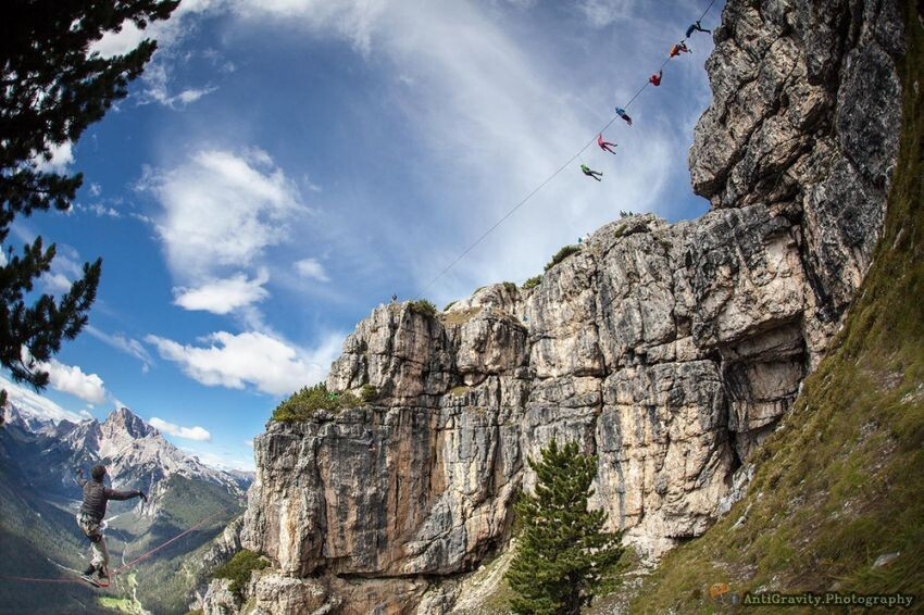 Adventure-Seekers Hang Out in Hammocks Strung Up at Dizzying Heights
