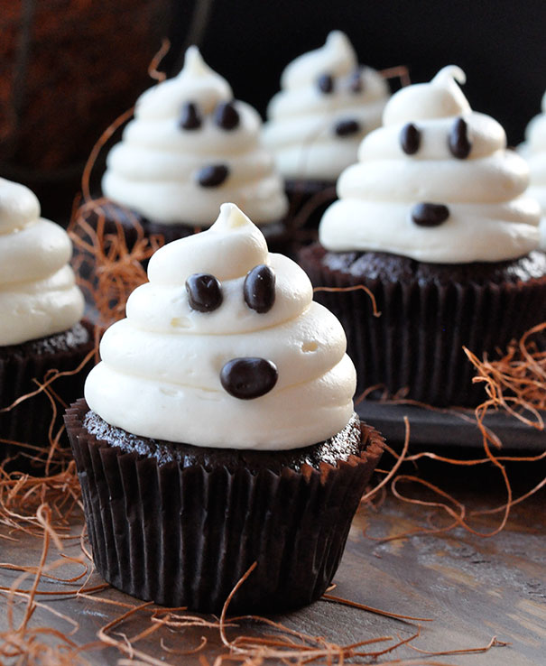 Your Halloween Party Just Got Better With These Creative Cupcake Ideas
