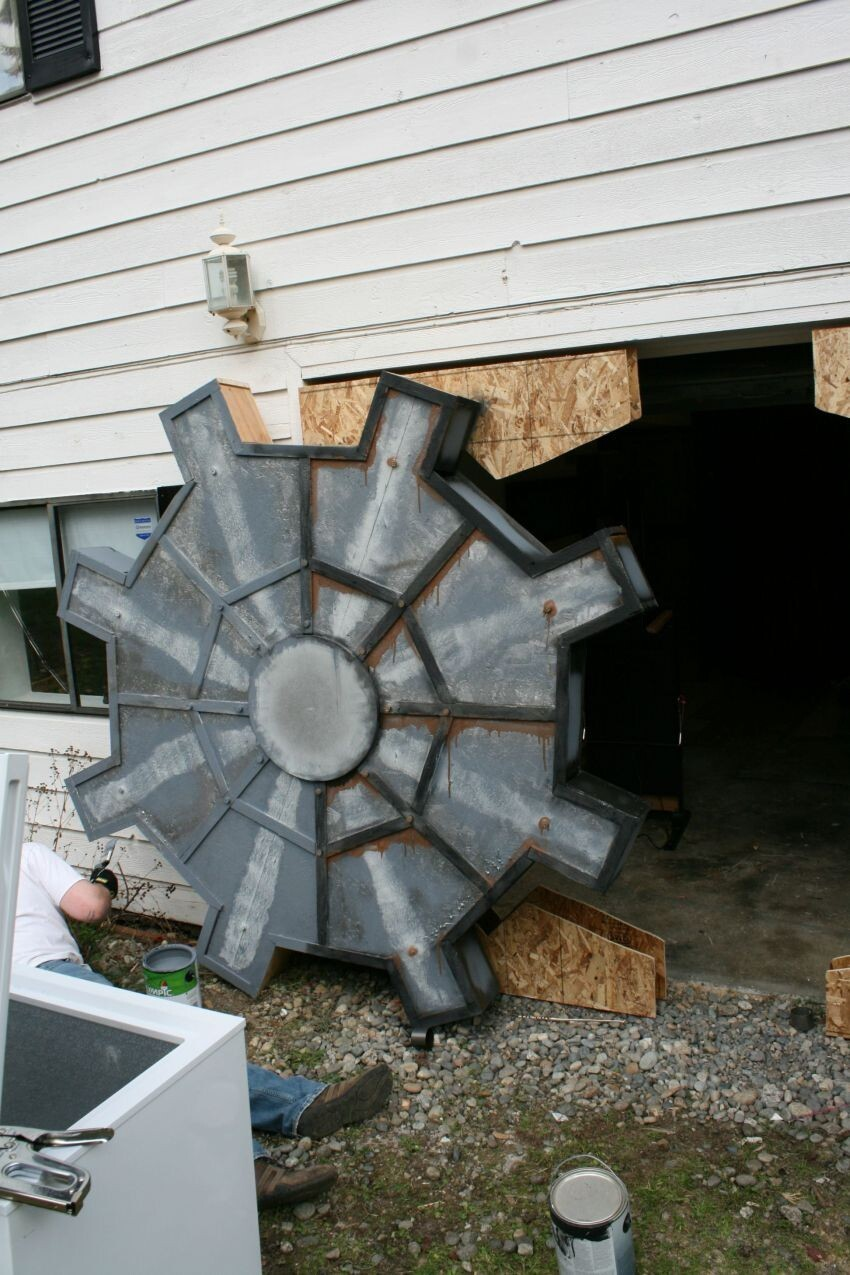 This Guy Turned His Garage Into a Fallout Vault For His 30th Birthday