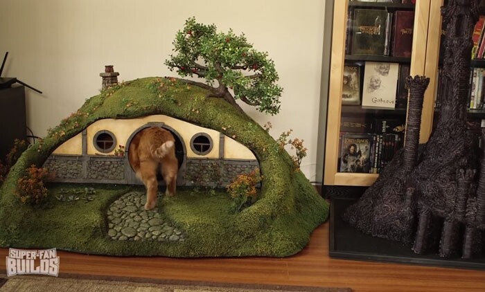 Lord Of The Rings Litter Box And Sauron Scratching Post For Cats
