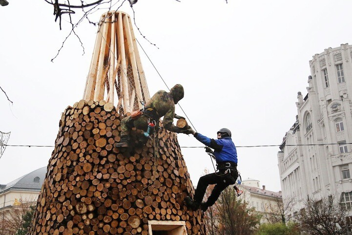 "Hungarian ""Charity"" Tree Made with 5,000 Pieces of Firewood"