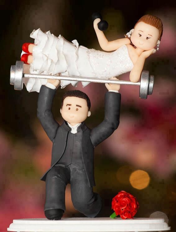 17 Hilarious Wedding Cake Toppers