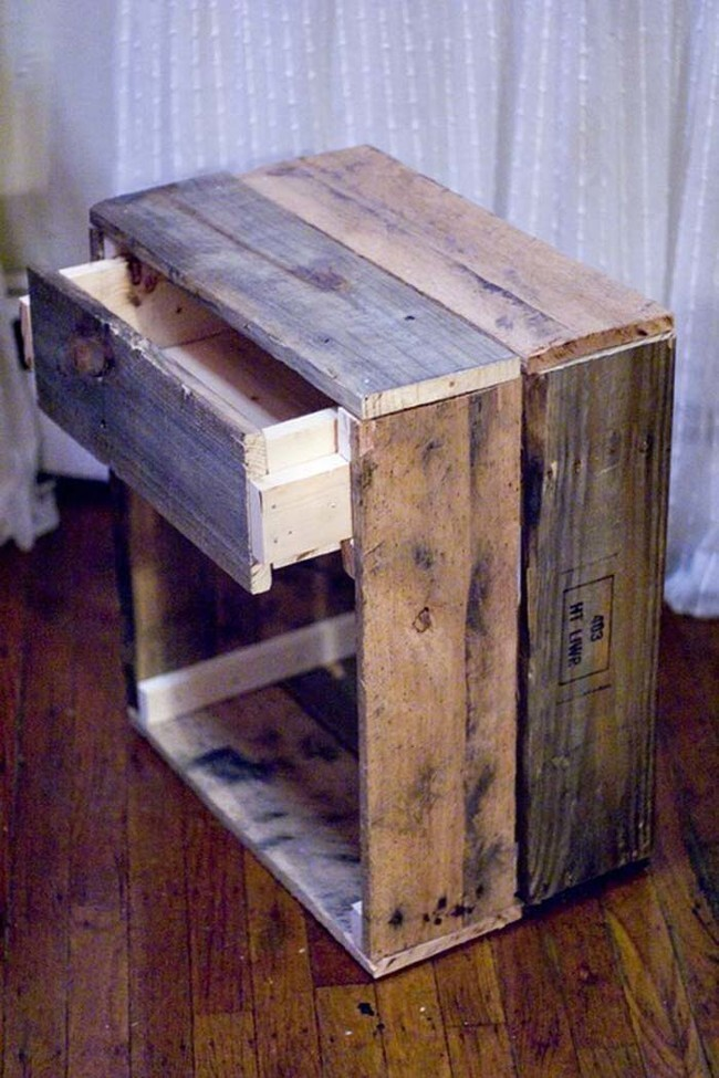 Craft a super-cute end table with an old crate.