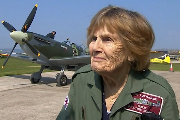 92-Year-Old WWII Female Pilot Flies One Last Time
