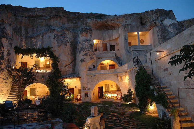 15 Mythical Hotels Everybody Should Stay In At Least Once