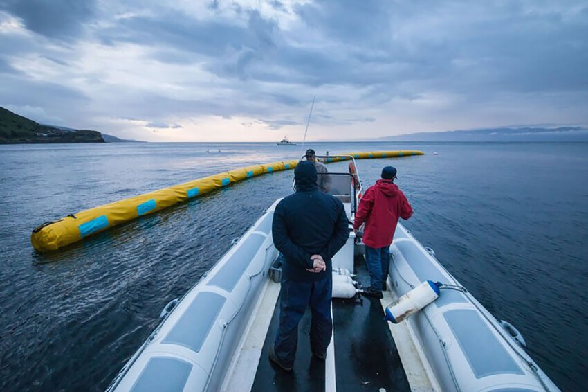 His goal is to eventually build a 100km floating array that could collect 70,320,000kg of plastic waste over 10 years